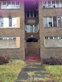 Vacant apartment building on Wick Park