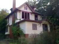 Vacant home on Woodbine east of Wick Park