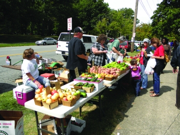 The Northside Farmers' Market occurs on the grounds of First Unitarian Church every Saturday. Metro Monthly electronic image by Ron Flaviano.